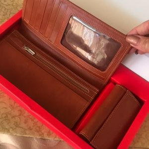 Handbags - Brand new leather valley and key holder set in box